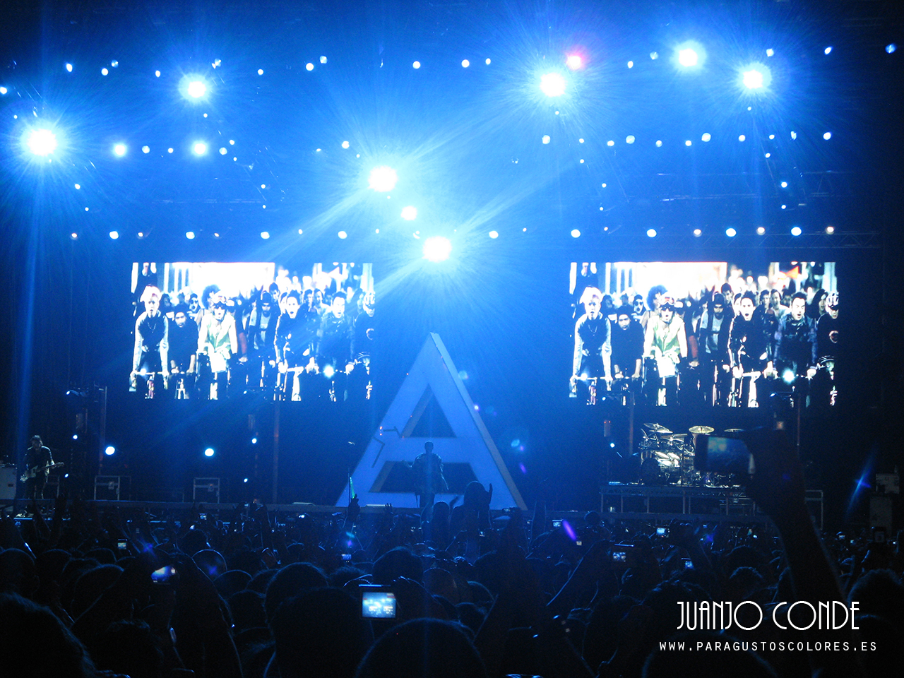 thirty_seconds_to_mars_optimus_alive_2011_001